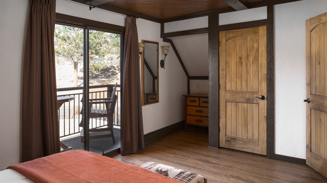 lone tree Riverfront Cabin Estes Park River Cabin Lone Tree Pond Bedroom1
