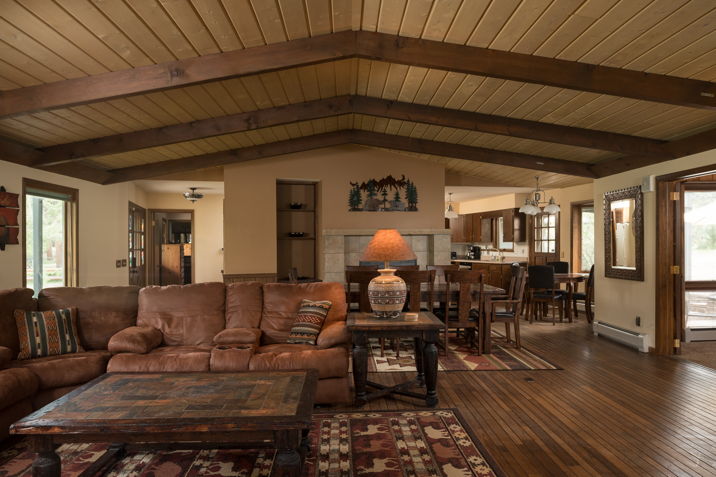 specials River Ranch Vacation Home Broadview Livingroom 2